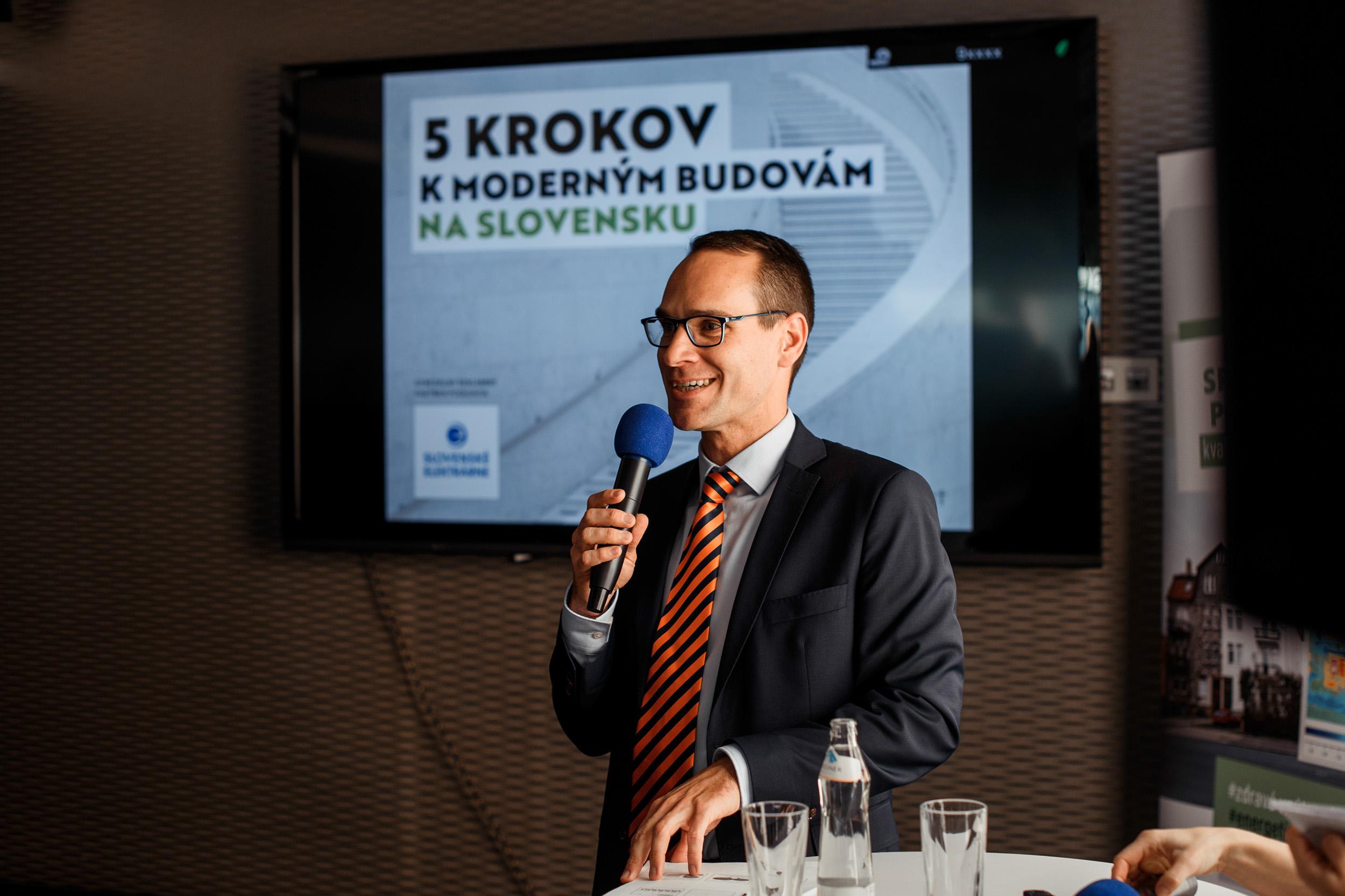 Stav budov na Slovensku brzdí rozvoj krajiny. Zmeniť to môžu nové politiky.
